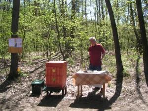 Prezentace naší včelařské organizace na hrázi Struhařovského rybníka